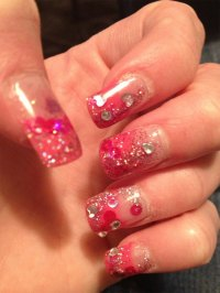 15 Simple Yet Elegant Pink Acrylic Nail Art Designs ...