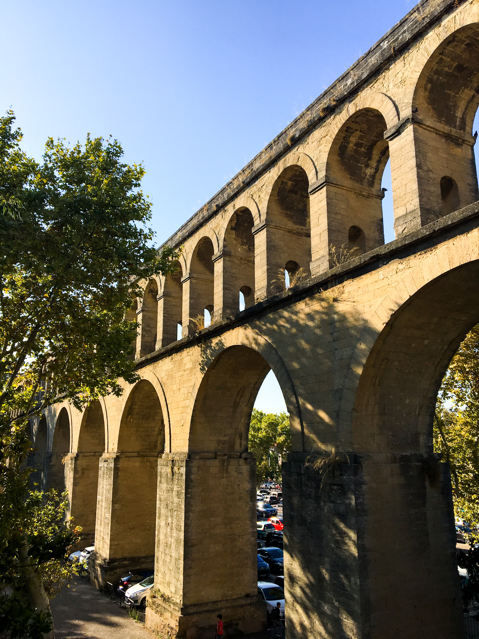 les arceaux in montpellier is a 30 ft high acqueduct