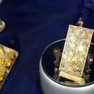 golden cascading resin pendant