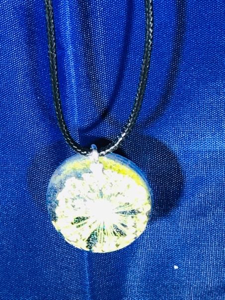 golden bloom resin pendant