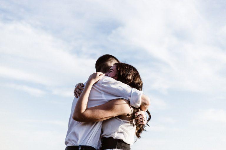 「對遺憾說聲再見。」— 留戀已過去的幸福。只會阻礙另一份幸福的降臨;放下向前見。才是真正的救贖 ...