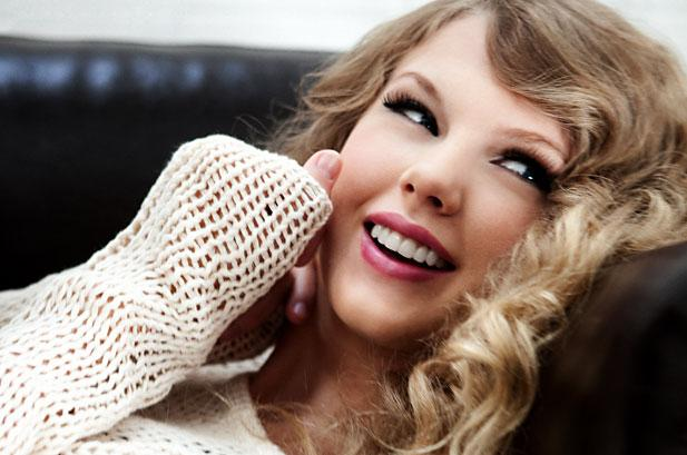 5 Reasons Why We Love Taylor Swift
