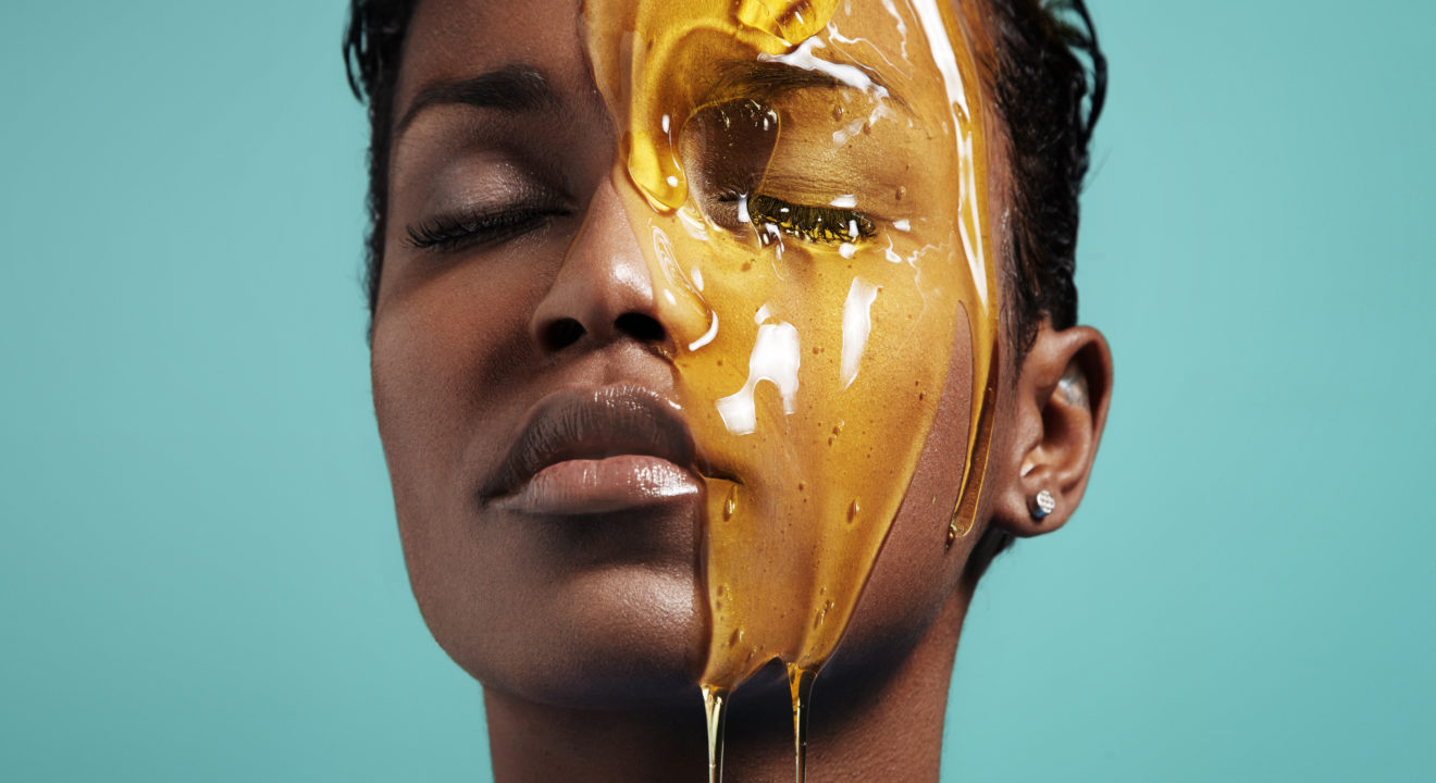 8 Reasons Why You Should Be Using Honey on Your Skin