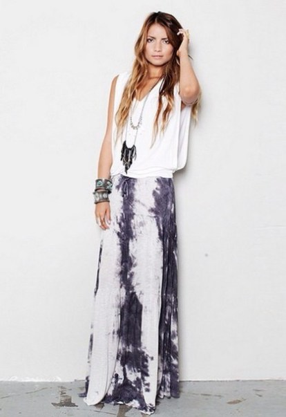 a36p5k-l-610x610-shirt-white+t+shirt-slouchy-boho-boho+chic-maxi+skirt-tie+dye-tie+dye-jewelry-hippie+boho+gypsy-boho+style-hot-skirt