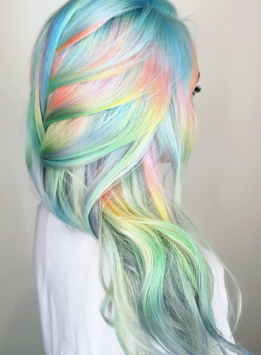 hair color trend 's blowing