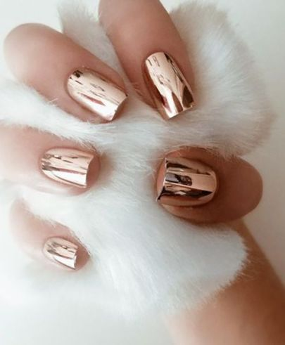 rose-gold-chrome-nails