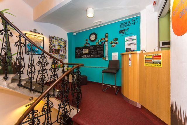 Hostel Orange Prage - Review - Reception.jpg