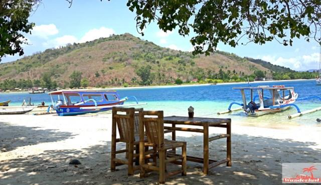 Gili Nanggu, Gili Tangkong, Gili Kedis and Gili Sudak – The paradise islands of Lombok via @Girlswanderlust. Gili Sudak. #girlswanderlust #gili #lombok #indonesia #gilinanggu #nanggu #kedis #sudak.jpg