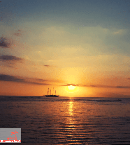 Travel guide Senggigi, Lombok – things to do, eat, sleep, and party by @girlswanderlust #Sunset #Senggigi #beach #girlswanderlust #travel #travelling #lombok #asia