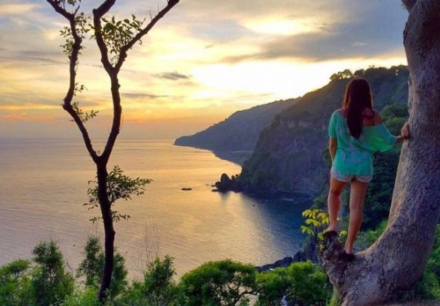 The 20 best places to watch the #sunrise and #sunset in #Bali, #Indonesia by @girlswanderlust #Bukit asan @bali #pantai #beach
