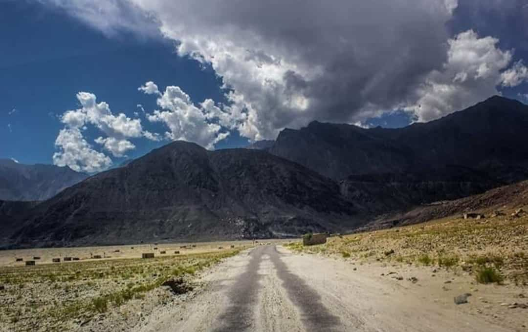A road in Chilas, Pakistan | Girls Who Travel
