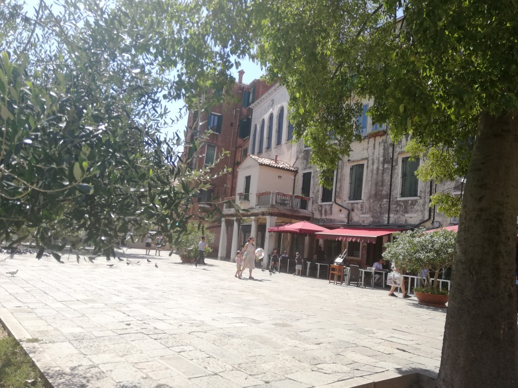Girls Who Travel | Inside the Venetian Ghetto