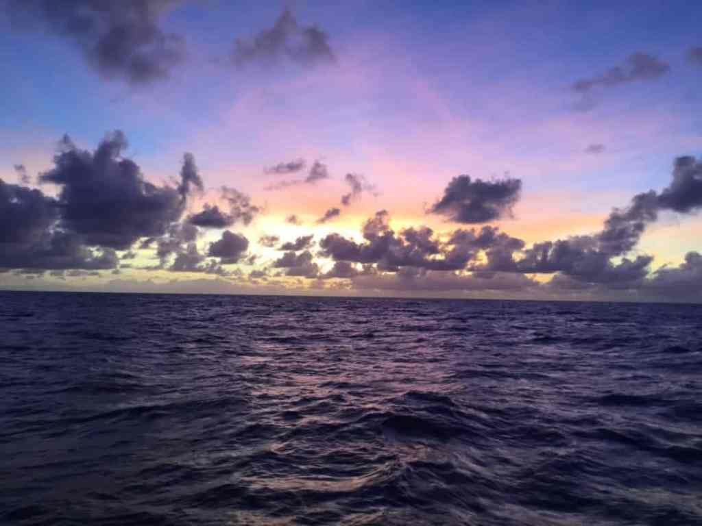 Girls Who Travel | Sunset at sea