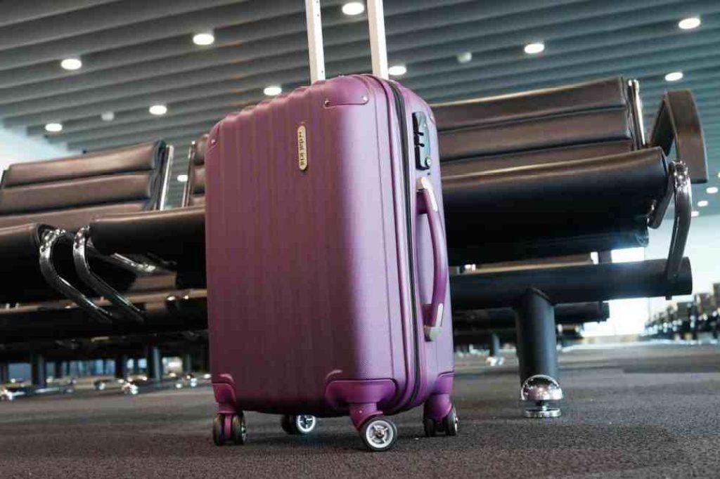 luggage-2869269_1920