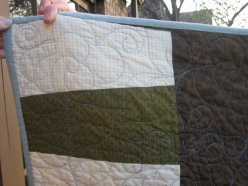 medium_ann_quilt_back_close.jpg