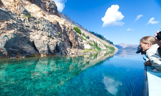 Visiting Crater Lake in Summer & Fall, Girl Who Travels the World