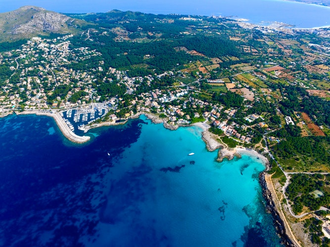 Ultimate Girl's Guide to Spain Travel, Girl Who Travels the World, Majorca, Spain