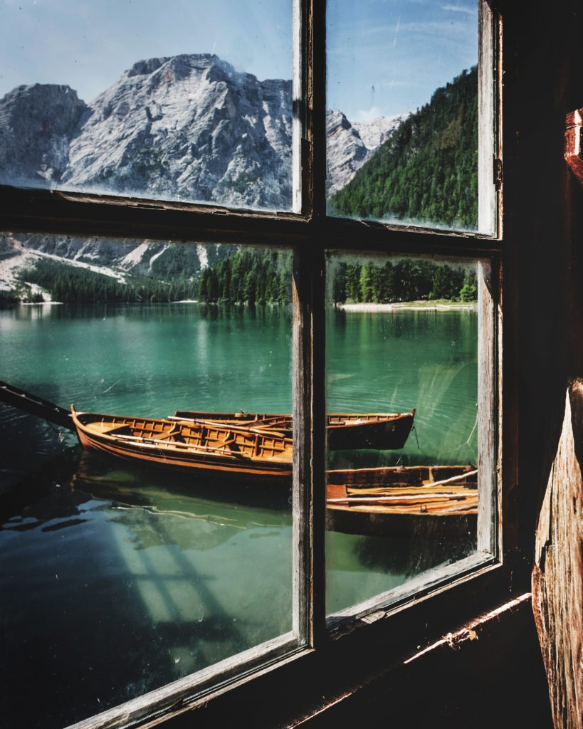 20 Photos to Inspire Your Dolomites Trip, Girl Who Travels the World, Lago di Braies