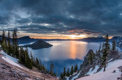 Visiting Crater Lake National Park in Spring, Girl Who Travels the World