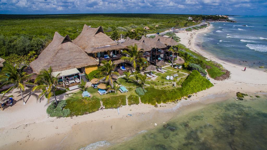 Best Beachfront Hotels in Tulum, Girl Who Travels the World, El Pez