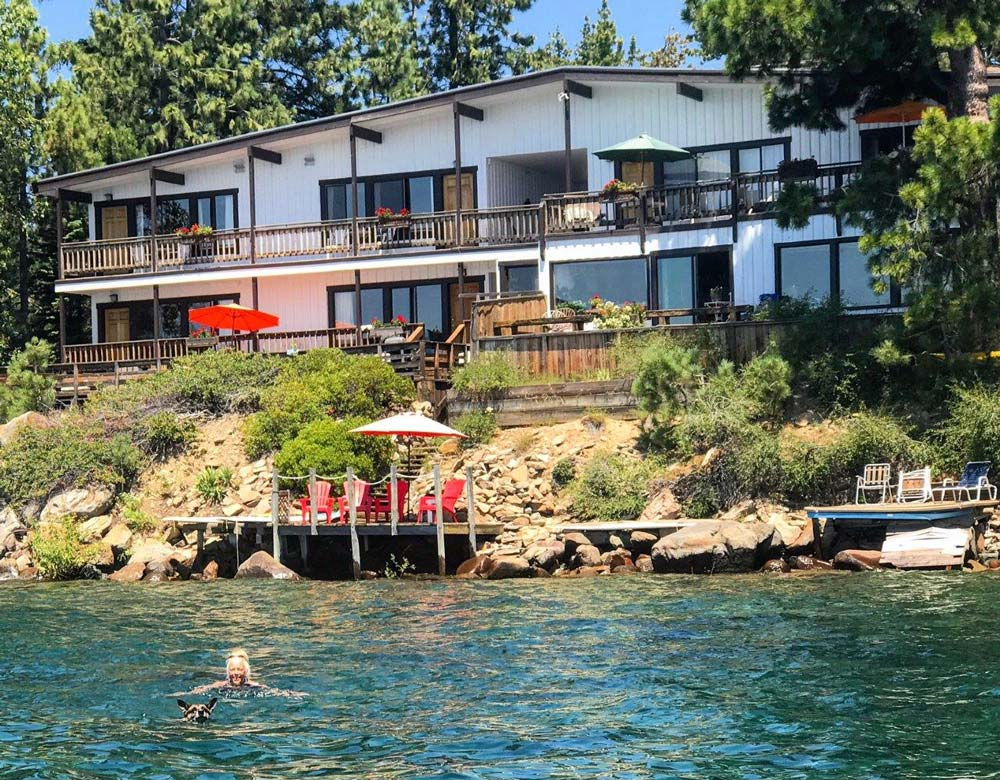 Best Lakefront Hotels in North Lake Tahoe, Girl Who Travels the World, Holiday House