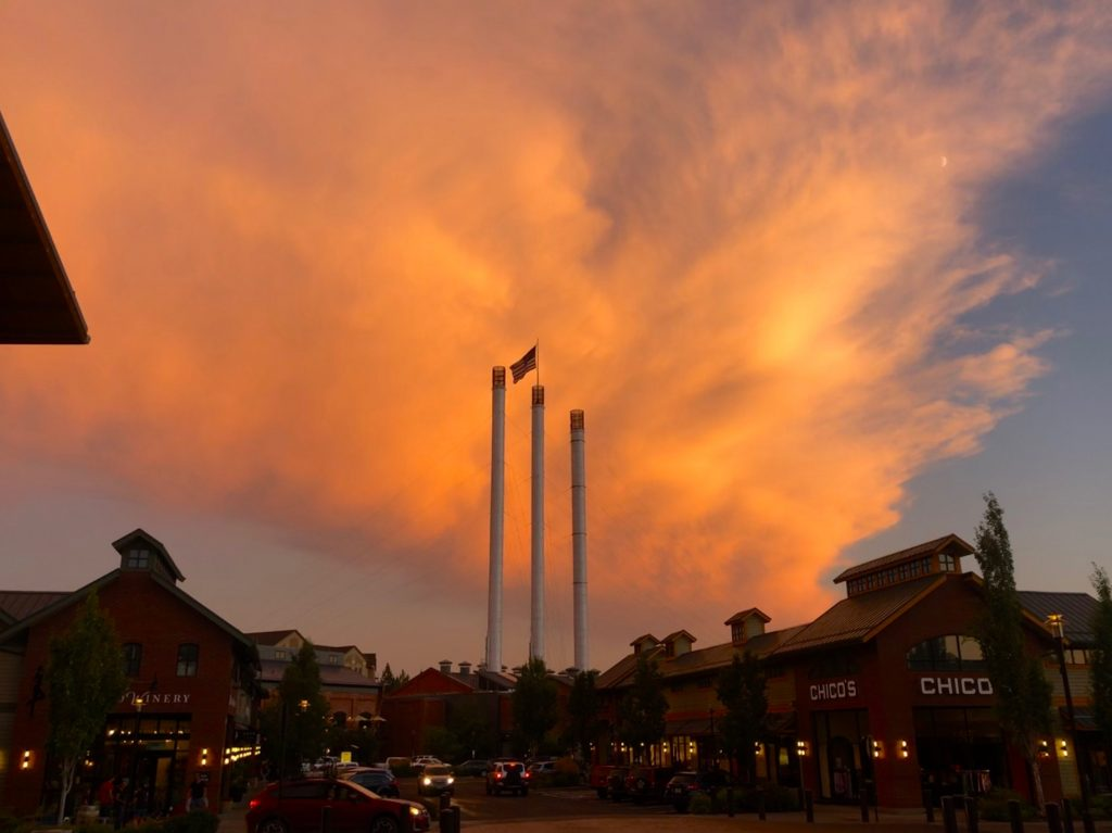 Guide to a Perfect 3-Day Weekend in Bend, Oregon, Girl Who Travels the WOrld, Old Mill District