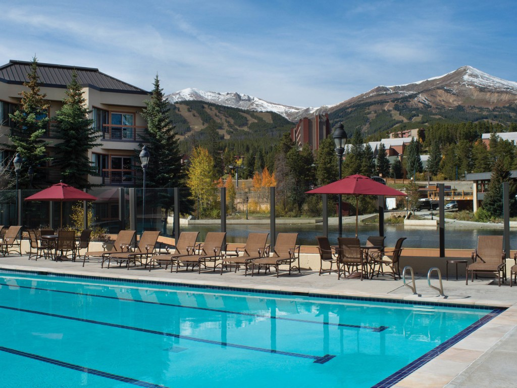 Best Ski-in Ski-Out Hotels in Breckenridge, Girl WHo Travels the World, Marriott's Mountain Valley Lodge