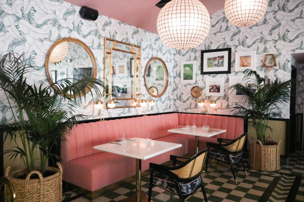 Ultimate Palm Springs Travel Guide, Best Brunch Spots in Palm Springs, Girl Who Travels the World, The Pink Cabana