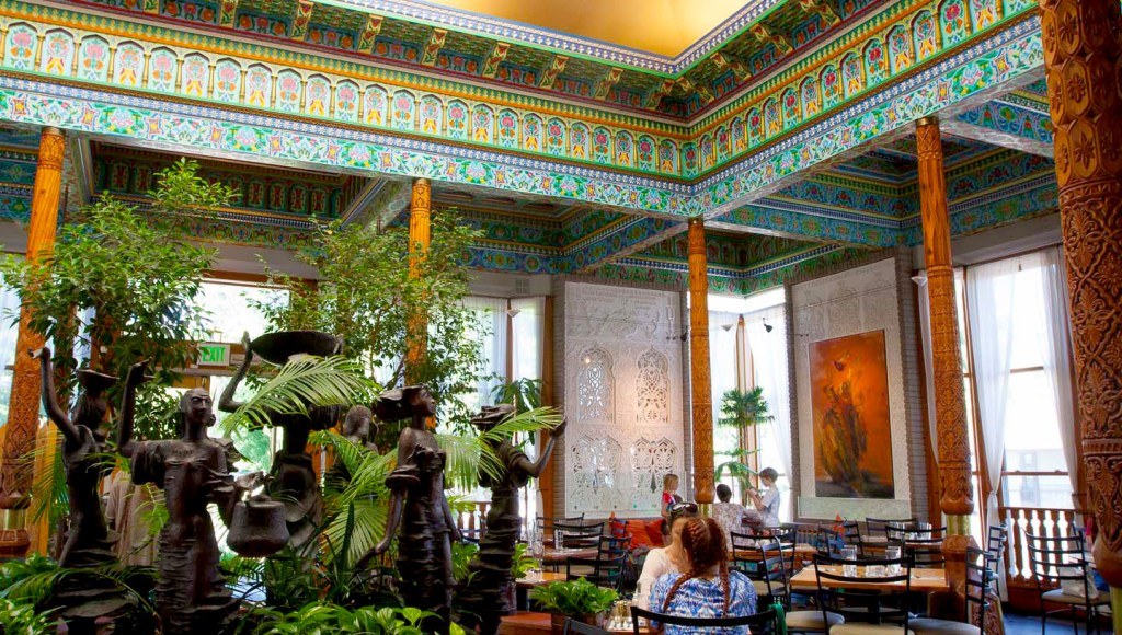 Where to Brunch in Boulder, Colorado, Girl Who Travels the World, Boulder Dushanbe Teahouse
