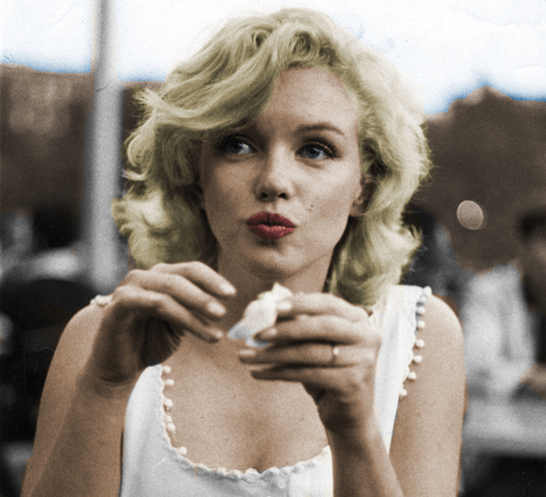 The Cover-Up of Marilyn Monroe's Death, Girl Who Travels the World