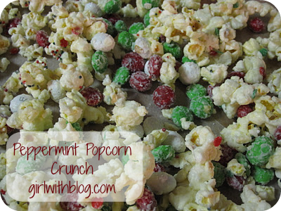 Day 25 :: Peppermint Popcorn Crunch