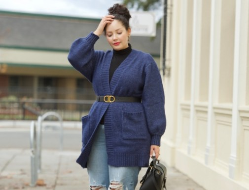 A Super Stylish Way to Wear a Cardigan via Girl With Curves #curvyfashion #plussizefashion #bodypositive #beltedcardigan
