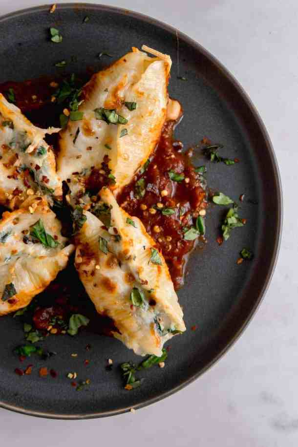 spinach and cheese stuffed shells with basil