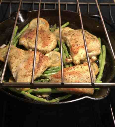 chicken asparagus in oven with lemon slices