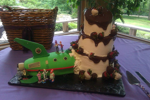 creative-wedding-cakes (1)