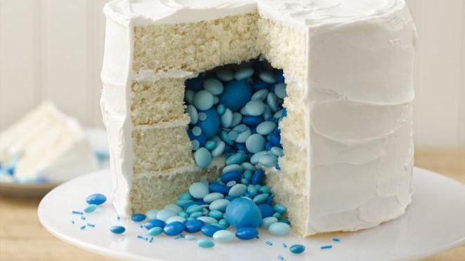 12 Delicious Surprise Inside Cakes - Girly Design Blog