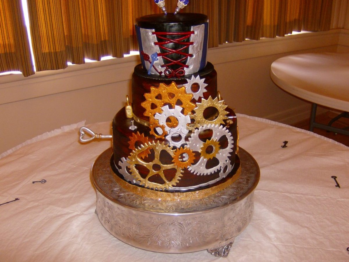Clockwork Confectionery - 29 Steampunk Cakes