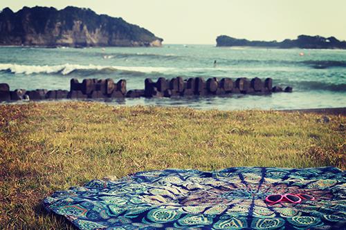 「サングラス」「ラウンドタオル」「夏」「海」などがテーマのフリー写真画像