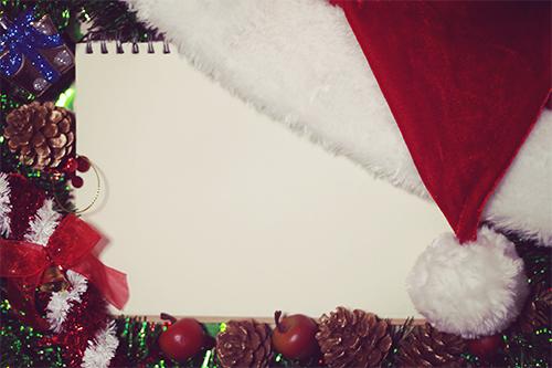 「サンタ」「サンタ帽」「スケッチブック」「俯瞰撮り」「真上から」などがテーマのフリー写真画像