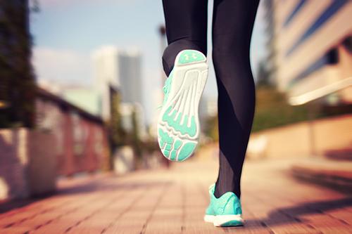 「ジョギング」「スポーツ」「ダイエット」「ランコーデ」「ランニング」「運動」などがテーマのフリー写真画像