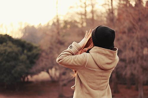 「公園」「冬」「女性・女の子」などがテーマのフリー写真画像