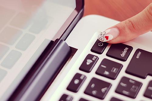 「Mac」「Web女子」「ネイル」「パソコン」「女性・女の子」などがテーマのフリー写真画像