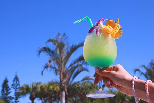「リゾート」「夏」「飲み物」などがテーマのフリー写真画像