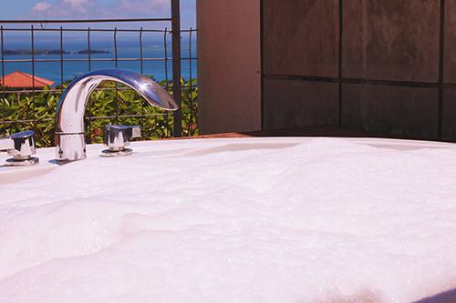 「お風呂」「バブルバス」「水面」などがテーマのフリー写真画像