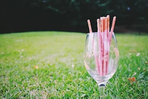 「グラス」「ピクニック」「公園」「食器」などがテーマのフリー写真画像