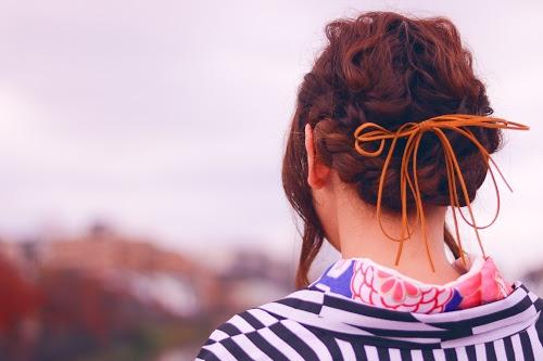 「ウェーブヘア」「ヘアスタイル」「和」「女性・女の子」「着物」「金沢」などがテーマのフリー写真画像