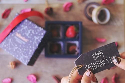 「イチゴ」「お菓子」「お菓子作り」「チョコ」「ネイル」「バレンタインネイル」「ラッピング」などがテーマのフリー写真画像