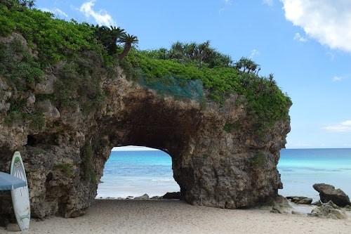 「リゾート」「南国」「夏」「宮古島」「岩」「沖縄」「海」「離島」などがテーマのフリー写真画像