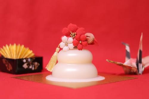 「あけおめ画像」「お重」「和」「年賀状」「扇子」「折り鶴」「鏡餅」などがテーマのフリー写真画像