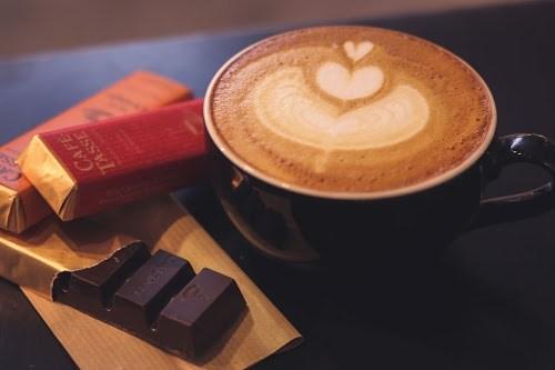 「お菓子」「カフェ」「チョコレート」「ラテアート」「食べ物」「飲み物」などがテーマのフリー写真画像